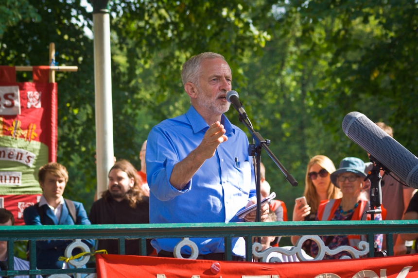Jeremy_Corbyn,_Leader_of_the_Labour_Party,_UK_speaking_at_rally